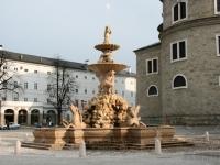 Sonnenspiel am Residenzbrunnen in Salzburg